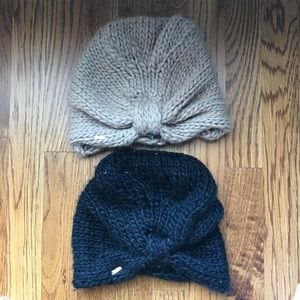 Two Free People beanies 👏🏼